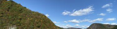 鳴子ダムの紅葉の風景写真をiphone11proで撮影