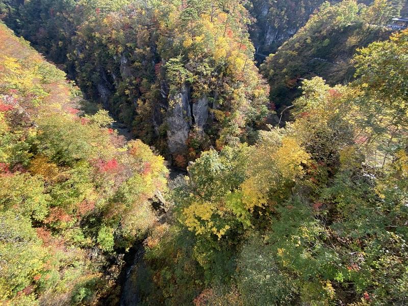iphone11proで撮影した鳴子大橋から見た鳴子峡の風景写真4