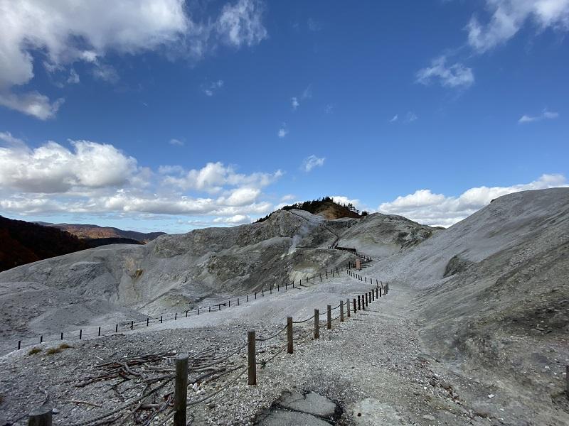iphone 11proで撮影した秋田県川原毛地獄の紅葉の写真