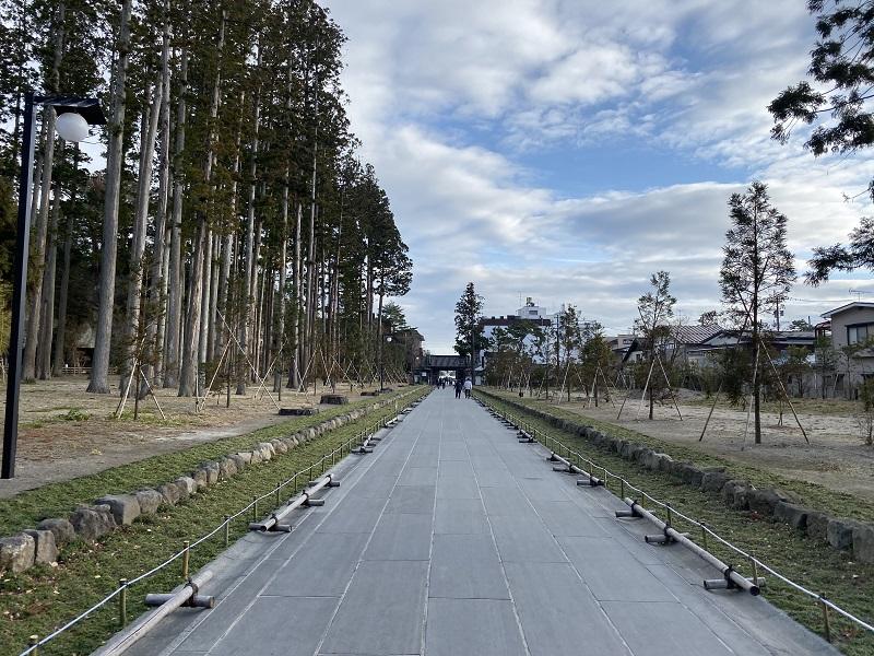 瑞巌寺の参道の風景写真