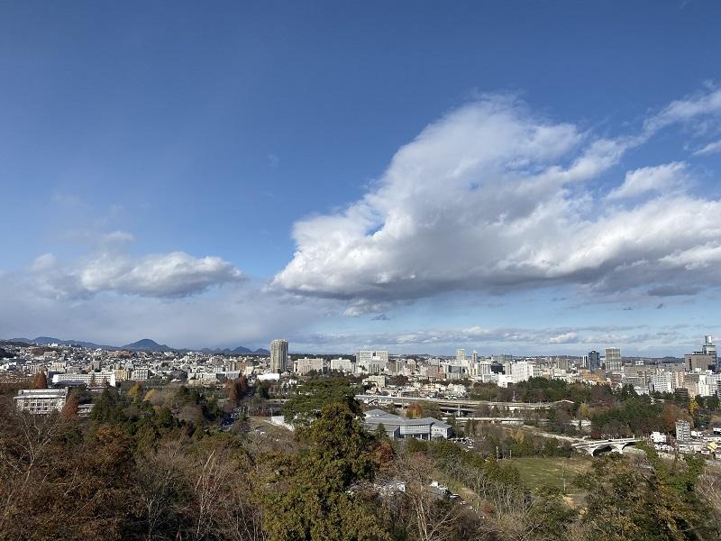 仙台城址公園の景色をiPhone 11 Proで撮影した写真